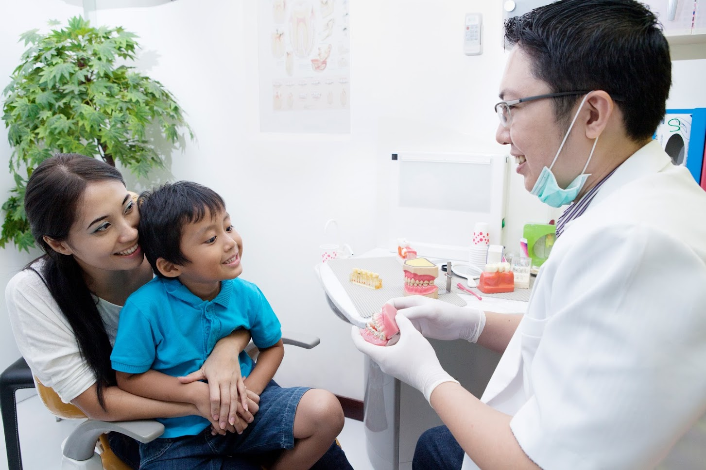 This is the image for the news article titled When Should You Start Bringing Your Child to the Dentist?